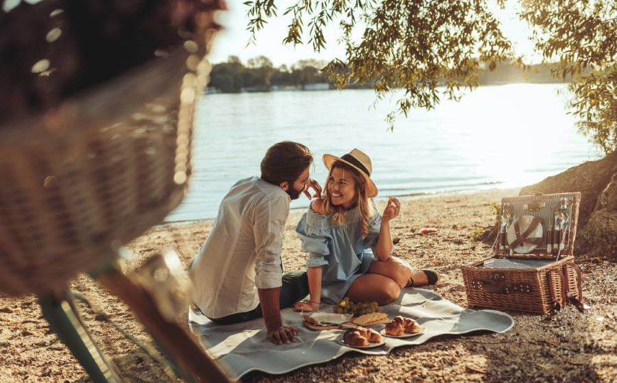 Top Picnic Date Ideas for Liverpool Singles